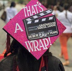 Funny Graduation Caps, Graduation Cap Toppers, Graduation Cap Designs, Graduation Cap Decoration, Graduation Diy, Funny Grad Cap Ideas, Quotes For Graduation Caps, Graduation Parties, Girl Graduation Pictures