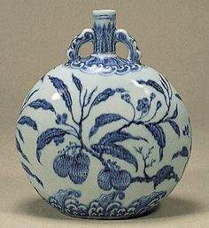 Blue-and-White Moonflask with Lizhi (Citrus) Design, Ming Dynasty, Yongle Period (1403-1424), h.25.0cm. Gift