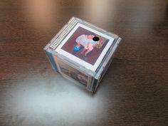 Porta-retratos com CDs http://entreaslinhaseasagulhas.blogspot.pt/ Facebook: Entre as Linhas e as Agulhas