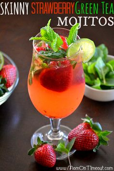 Skinny Strawberry Green Tea Mojitos are the perfect cocktail recipe for Spring or Summer! (With regular green tea, not diet) Refreshing Drinks, Summer Drinks, Cocktail Drinks, Fun Drinks, Cocktail Recipes, Alcoholic Drinks, Beverages, Drink Recipes, Baileys Recipes