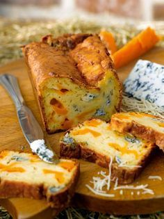 The good cakes of Sophie Dudemaine - The good savory and sweet cakes of Sophie Dudemaine - Sophie Dudemaine has made herself famous thanks to her famous cakes. Here she offers 9 recipes from - Savoury Baking, Savoury Cake, Cake Recipes, Snack Recipes, Cooking Recipes, Strudel, Cake Chevre, Pizza Cake, Quiche