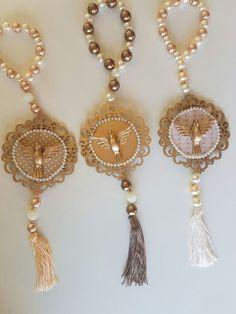 Catholic Crafts, Rosary Catholic, Diwali Decorations, Create And Craft, Rakhi, Wedding Bridesmaids, Decoupage, Diy And Crafts, Jewelry Making