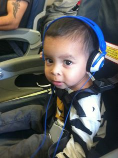 Kidz Gear Headphones are a must when traveling with toddlers #toddlertravel #travelgear