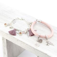 Lavendel met aarde tinten armbandjes voor een zachte look!