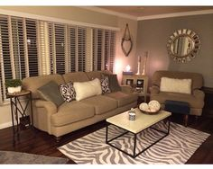 6 Dos and Don'ts of living room remodeling New Living Room, My New Room, Home And Living, Living Room Decor, Living Walls, Living Room Remodel, Apartment Living, Apartment Ideas, Apartment Goals