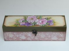 A lovely vintage decorative jewellery box! You could prepare something similar for your mum on this Mother's Day. All that you need is one of our plain jewellery boxes and decoupage papers. More Mother's Day DIY ideas and inspiration at www.craftmill.co.uk