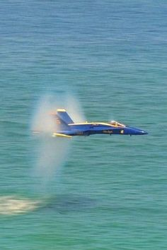 Blue angels in Fl @ Pensacola beach