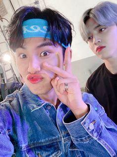 MinCheol Selca ❤️ Woozi, Wonwoo, Jeonghan, Seungkwan, Seventeen Scoups, Mingyu Seventeen, Seventeen Debut, Seventeen Memes, Hip Hop