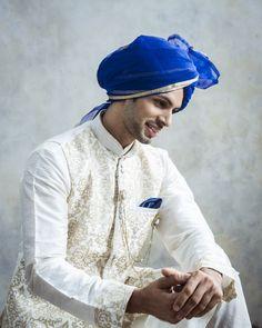 Manyavar Fashionable White Kurta..