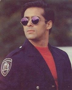 Salman Khan Young, Salman Khan Photo, Bollywood Stars, Bollywood Fashion, Salman Khan Wallpapers, Girly Pictures, Girly Pics, Bollywood Pictures, Indian Star
