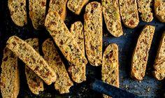 Jaglane biscotti z rodzynkami i pistacjami • Lista przepisów • DietMap