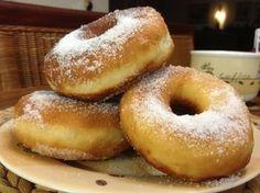 Λουκουμάδες-ντόνατς με ζάχαρη