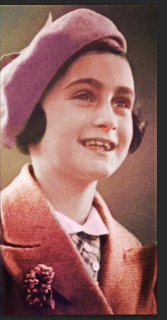 Youth picture of Anne Frank in colour Anne Frank, History Photos, History Books, Irena Sendler, Infp Personality Type, Past Tense, Young Life, Interesting History, Book Authors