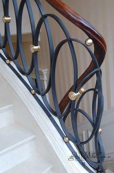 Steel Stair Railing, Staircase Railing Design, Modern Stair Railing, Wrought Iron Stair Railing, Balcony Railing Design, Home Stairs Design, Interior Stairs, Modern Staircase, Home Room Design