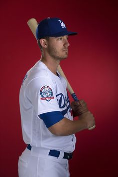 Cody Bellinger of the Los Angeles Dodgers poses during MLB Photo Day at Camelback Ranch- Glendale on February 22 2018 in Glendale Arizona. Dodgers Girl, Dodgers Baseball, Chicago White Sox, Boston Red Sox, Dodgers Nation, Cody Bellinger, Dodger Stadium, Buster Posey, Fenway Park