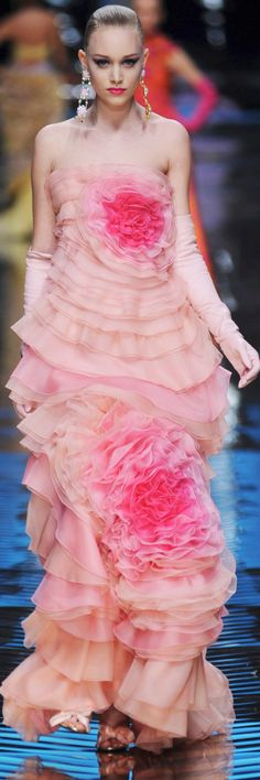 Valentino Spring 2008 Couture - rose and pink ruffled evening gown