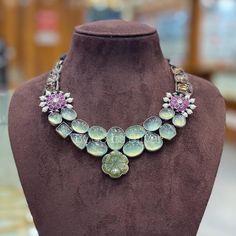 Jewelry Design Earrings, Gold Jewellery Design, Silver Jewellery, Necklace Designs, Gold Earrings, Pearl Necklace, Beaded Necklace, Necklaces, Indian Wedding Jewelry
