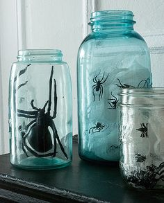 creepy_jar centerpiece- DIY via Design Spponge