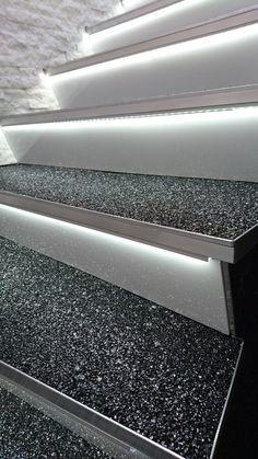 marmor steinteppich wundersch ner fugenloser boden im kaminzimmer steinteppich steinrasen. Black Bedroom Furniture Sets. Home Design Ideas