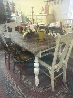 Love This Primitive Rustic Farmhouse Table!