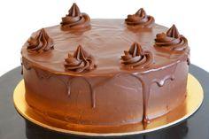 Amandine cake Yummy Cakes, Cake Pops, Muffins, Food Porn, Cupcakes, Baking, Sweet, Desserts, Cake Pop