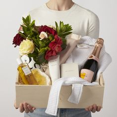Discover our unique curated gifts, luxury gift boxes and premium gift baskets for her. Our women's gifts include the finest in apothecary, home, custom gift boxes, curated gift baskets and more. Spa Gifts, Wine Gifts, Champagne Gift Baskets, Champagne Gifts, Champagne Flowers, Spa Basket, Curated Gift Boxes, Christmas Hamper, Realtor Gifts