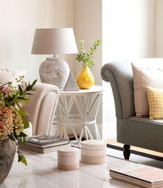 """SALÓN - REFORMA Y DECORACIÓN, NATALIA ZUBIZARRETA INTERIORISMO. Nos encontramos ante un proyecto de decoración y amueblamiento de una vivienda con un potencial muy especial para el equipo: espacios abiertos y mucha luz natural. La propietaria estaba encantada de poder contar con la vivienda que fue de su abuela. Ahora, se encontraba en ella contemplando el precioso espacio que debía decorar para hacerla """"suya"""". New Living Room, Coastal Style, Nightstand, Sweet Home, Throw Pillows, Bed, Table, Furniture, Home Decor"""