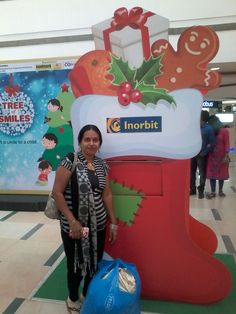 Ms Sneha gifted lots of happiness to the kids with Tree of Smiles #InorbitMakesMeSmile