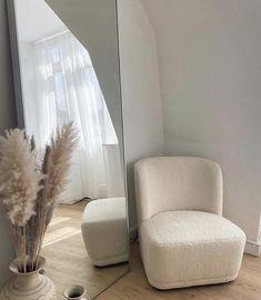 Room Ideas Bedroom, Home Bedroom, Bedroom Decor, Minimalist Room, Aesthetic Room Decor, My New Room, House Rooms, Home Decor Inspiration, Home Interior Design
