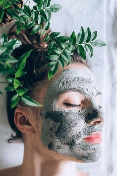 A face mask that smooths skin when it's dry, calms skin when it's irritated, and absorbs excess oil too? Yup, this DIY Aztec Clay Mask is pretty magical. Homemade Face Masks, Homemade Skin Care, Diy Skin Care, Skin Care Tips, Homemade Clay, Diy Clay, Homemade Facials, Organic Skin Care, Natural Skin Care