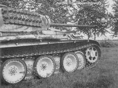 https://flic.kr/p/XRBjQn   Panther Ausf. G I/Pz.Rgt. 35 Kurland, September 1944.   Photo: www.facebook.com/panthertankhistoryandbooks/