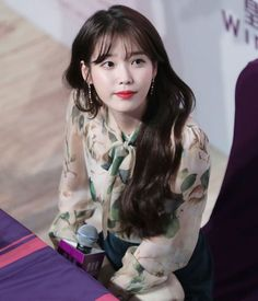 I am compelled to post three to make a row instead of three together, sorry! Korean Girl, Asian Girl, Asian Woman, Korean Actresses, Actors & Actresses, Pretty People, Beautiful People, Divas, Iu Fashion