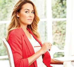 The official site of Lauren Conrad is a VIP Pass. Here you will get insider knowledge on the latest beauty and fashion trends from Lauren Conrad. Lauren Conrad Blog, Fake Friendship, Le Management, Work Chic, Simple Life Hacks, Successful Women, Dress For Success, Working Woman, Professional Development