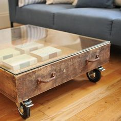25 Vintage DIY Coffee Table Ideas If you are a vintage furniture lover, then you must see these awesome vintage coffee tables. Coffee tables can be made out of many different vintage Furniture Makeover, Diy Furniture, Furniture Design, Upcycled Furniture, Furniture Projects, Vintage Drawers, Old Drawers, Vintage Doors, Vintage Diy