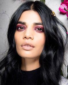 La Perla elige un #beautylook romántico para darle un toque de sensualidad y misterio a su propuesta vista hoy en #NYFW. : @fashion_press. #LaPerla #BazaarMx #BazaarFashionWeek #HarpersBazaarMx #ThinkingFashion  via HARPER'S BAZAAR MEXICO MAGAZINE OFFICIAL INSTAGRAM - Fashion Campaigns  Haute Couture  Advertising  Editorial Photography  Magazine Cover Designs  Supermodels  Runway Models