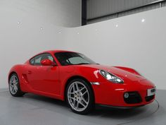 Porsche Cayman 2.9 PDK Finished in Guards Red with Black Leather Interior and Guards Red Seat Belts. For more details: http://www.simonjamescars.co.uk/porsche-cayman-24v-pdk-in-derbyshire-3910447