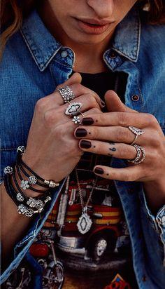 Pandora Bijoux portés / Pandora Style De belles photos des bijoux #Pandora portés Photos réelles Pandora Jewelry worn / Pandora Style Beautiful photos of real jewelery worn #Pandora Photos and charms