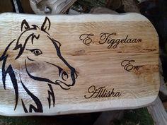 Willie's hout creatie 's  Op fecabook ..
