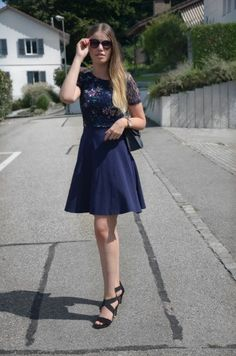 "Alternative zum ""Kleinen Schwarzen"" Vogue, Style Inspiration, Dresses, Fashion, Reach In Closet, Woman, Vestidos, Moda, Fashion Styles"