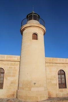 """Almería, Roquetas de Mar, Faro del Castillo de Santa Ana.    36° 45' 11.50"""" N  2° 36' 22.23"""" W  Cortesía de José Ángel de la Peca"""