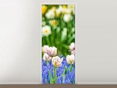 Tür #Tapete Ein Garten mit Tulpen