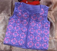Chaleco para nena en tejido crochet Crochet Girls, Crochet Baby Clothes, Crochet For Kids, Crochet Top, Crochet Jacket, Baby Vest, Beautiful Crochet, Baby Knitting, Doll Clothes