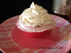 Champagne Cupcake- perfect for a birthday celebration!  Maybe I will make these for myself next weekend. ;)