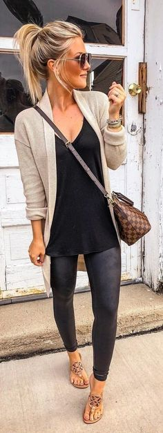 45 Trendy Autumn Outfits to Wear / 17 # # # # Outfits # Women's Fashion Outfits - Herren- und Damenmode - Kleidung Trendy Fall Outfits, Fall Winter Outfits, Spring Outfits, Casual Outfits, Women's Casual, Casual Winter, Casual Summer, Dress Casual, Black Outfits