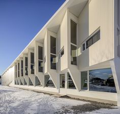 Designed by Helen & Hard, The new library in Grimstad has a central, waterfront location. It lies between the old town and the new town center. Facade Architecture, Beautiful Architecture, Construction, Urban Planning, School Design, Old Town, Exterior, Mansions, House Styles