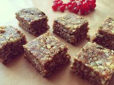 Musli tyčinky   #sladkosti #raw #vegan #bezlepkové #recepty Muesli, Raw Vegan, Vegan Recipes, Muffin, Breakfast, Healthy, Recipe Ideas, Desserts, Food