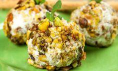 Palline di formaggio fantasia: l'antipasto pronto in 2 minuti | Cambio cuoco