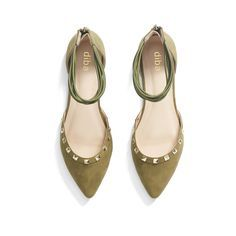 Love this color and the pointy toes of course. Stitch Fix Fall Color Trends: Olive