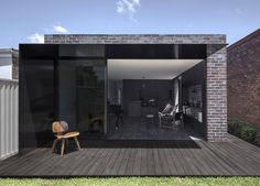 dezeen: Architects office Studioplusthree has overhauled a traditional house inSydney for a pair of musicians adding a recycled-brick extension that features a projecting black steel awning Architecture Awards, Residential Architecture, Interior Architecture, Australian Architecture, Australian Houses, Australian Interior Design, Interior Design Awards, Brick Extension, Architects Sydney