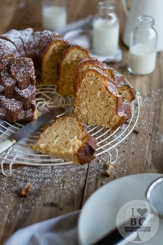 Lime Curd and Coconut Bundt Cake (2)